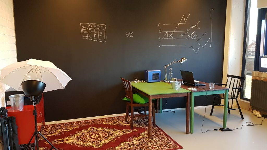 Office of the Virtual Reality Learning Lab